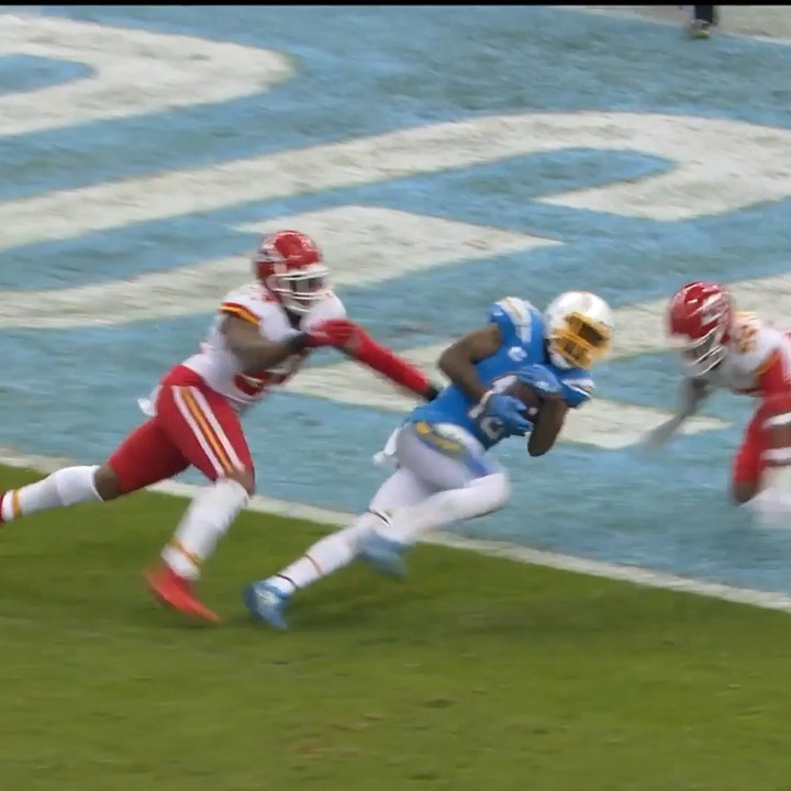 CLUTCH!  cut the deficit to 7. :  on ESPN : NFL App // Yahoo Sports App...