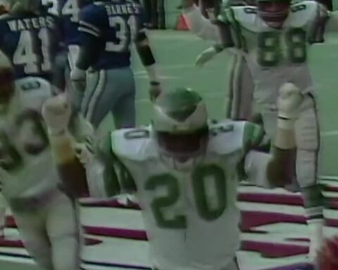 Leroy Harris brought the truck stick in the 1980 NFC Championship.  ?- ?Watch th...