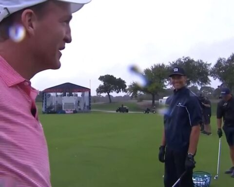 Peyton &  on the driving range is everything.  (via ...