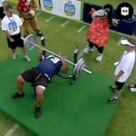 This is 11x Pro Bowler Larry Allen. Bench-pressing 225 pounds. FORTY-THREE TIMES...