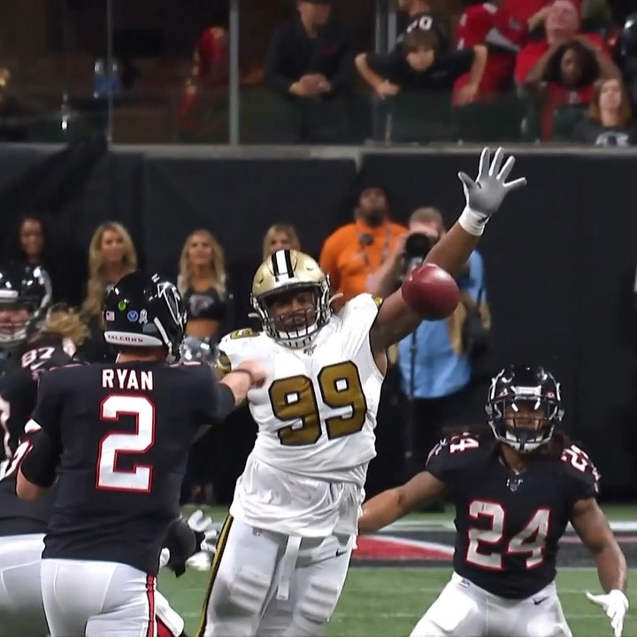 WE GOT A BIG MAN INTERCEPTION!  Shy Tuttle comes up with the one handed pick! - ...
