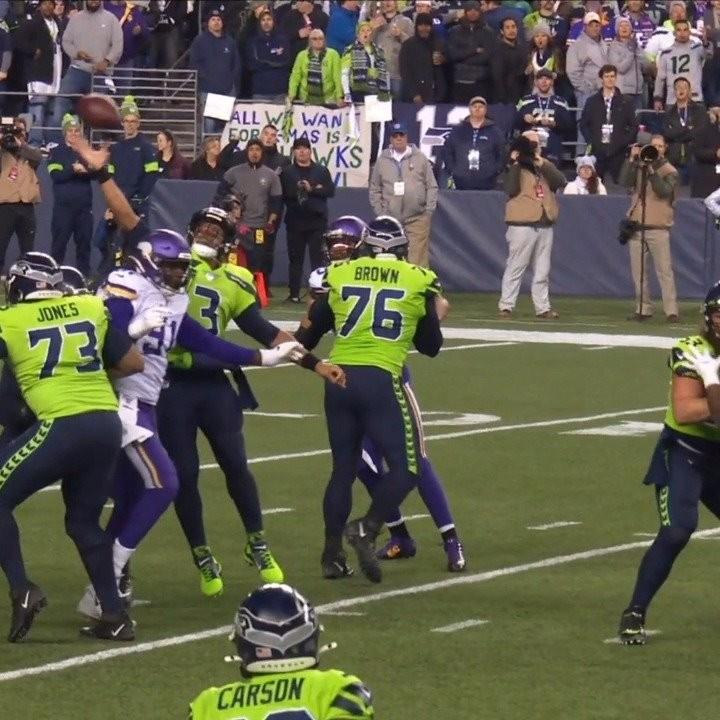 WHAT JUST HAPPENED. - :  on ESPN : NFL app // Yahoo Sports app...