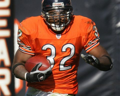 We mourn the passing of former   RB Cedric Benson.  Rest in Peace....